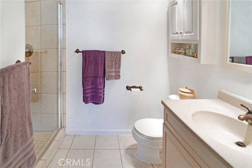 upper level en suite bathroom