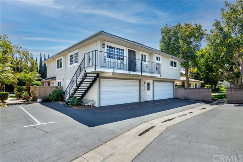 Welcome Home to:16398 Del Oro Circle