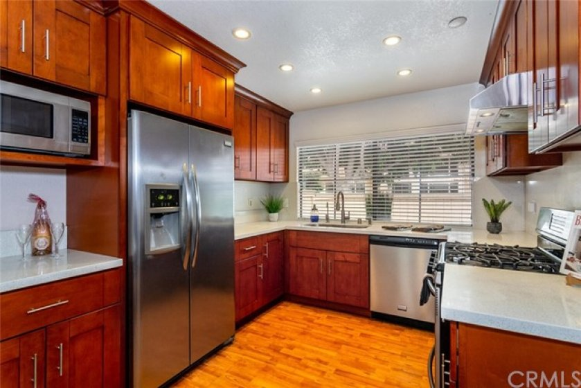 Fantastic kitchen set up.  Lots of counter space in this well thought out design.