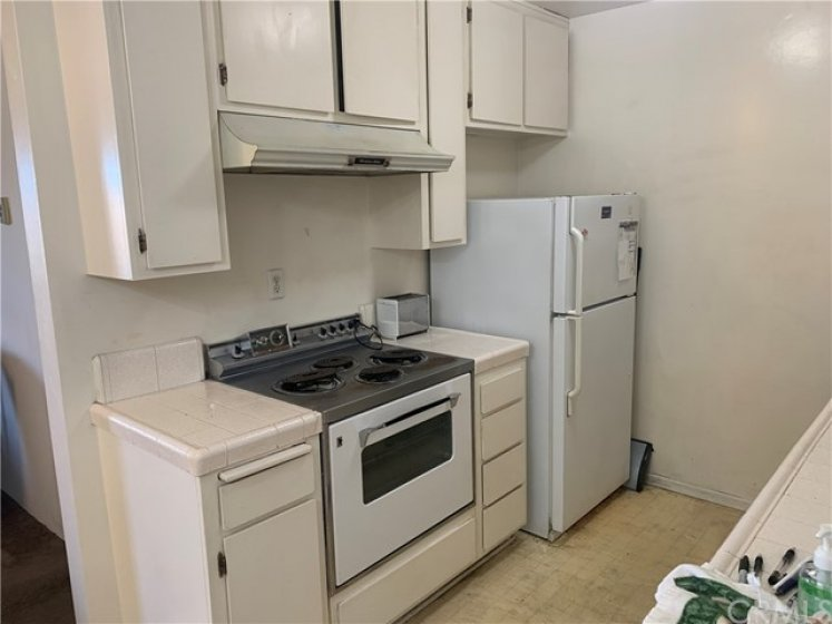 Lots of kitchen cabinets