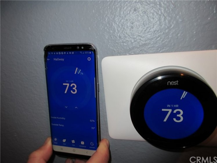 Smart phone heating and air control