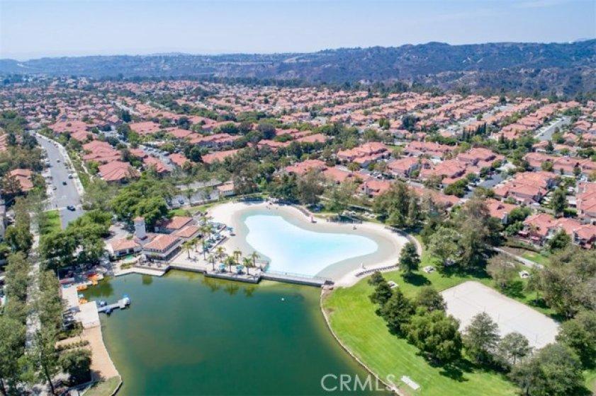 Lago Santa Margarita- swimming and boating fun!