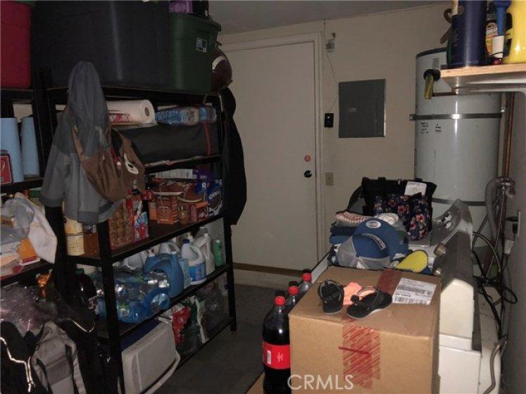 Laundry room / Storage room