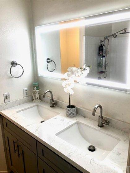 dual sink master bath