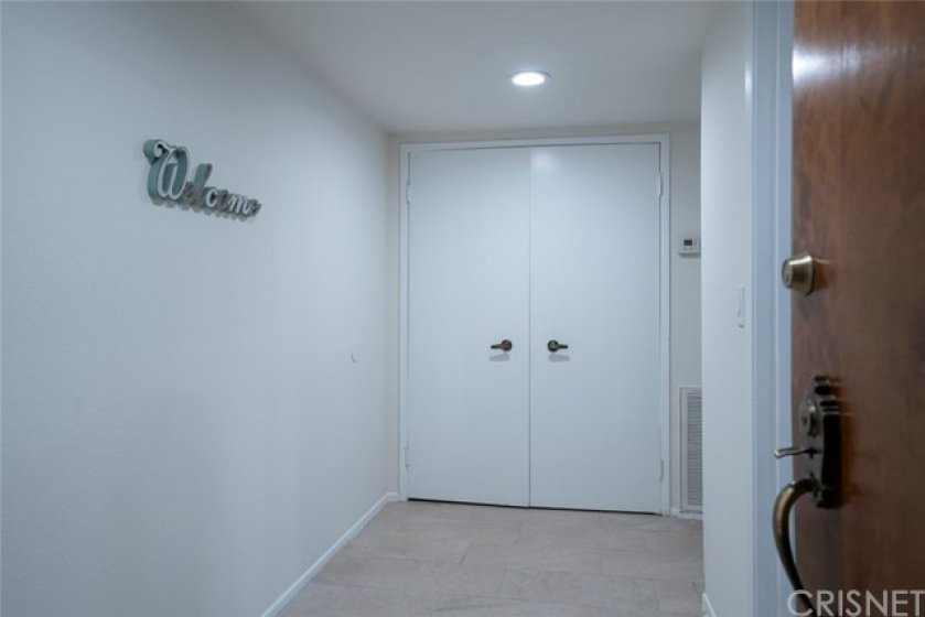 LARGE ENTRYWAY WITH COAT CLOSET