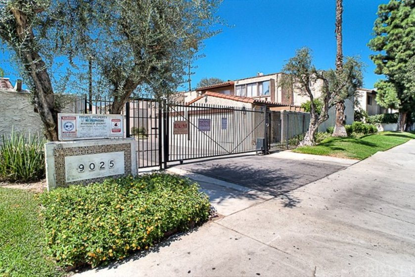 Very sought after quiet & gated complex. Close to everything in the heart of the valley.