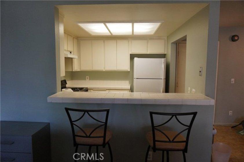 Bar area around kitchen counter