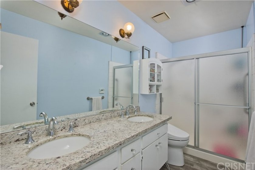 Master Bathroom with Double sink Vanity