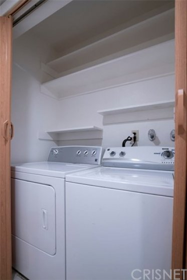 WASHER - DRYER INCLUDED - IN HALLWAY