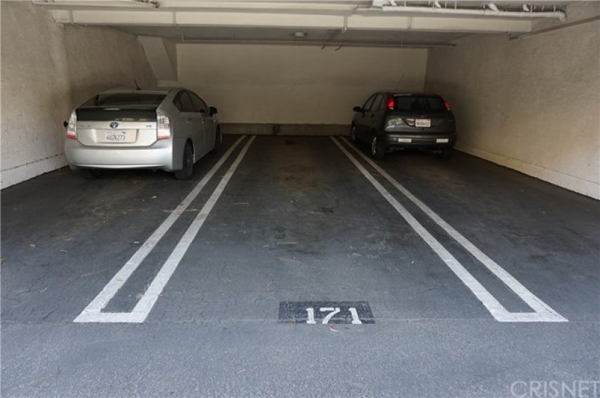 Parking for 2 spots