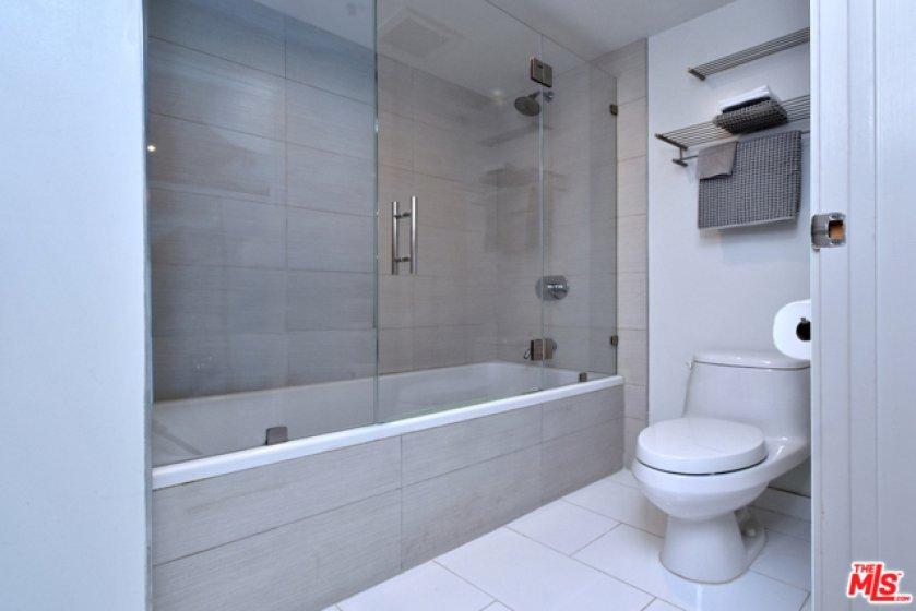 ...also wi gla shower enclosure