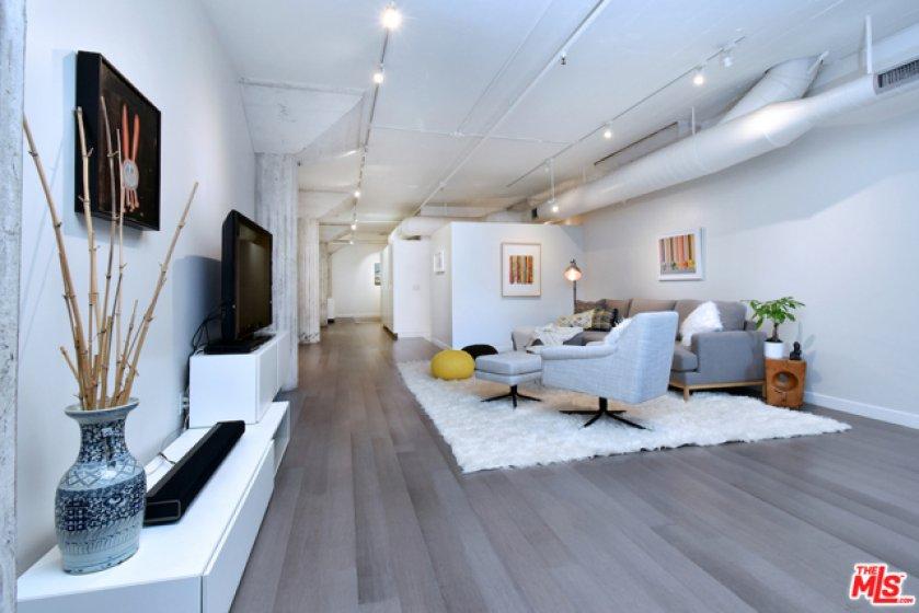 Gorgeous hardwood flooring...