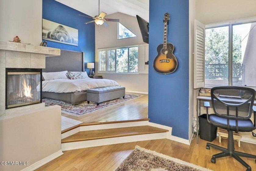 kMain Bedroom Suite5
