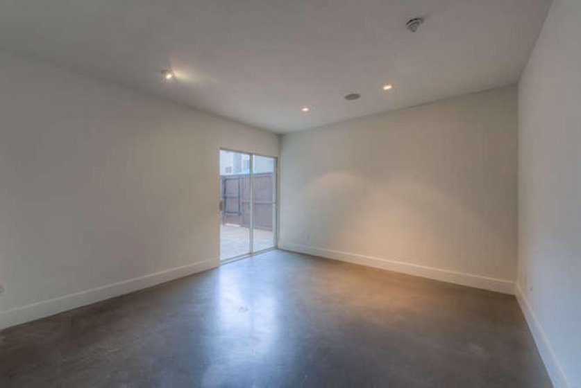 949 N Kings Rd Unit 115 West-small-016-0