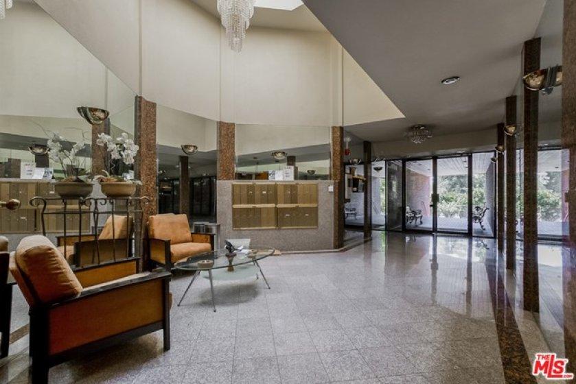 Lobby/Mail Room