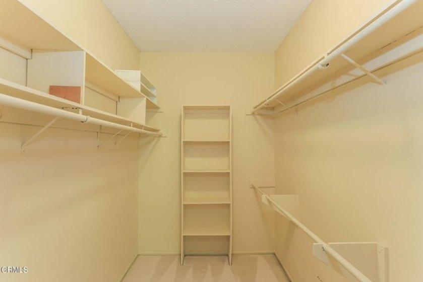 018-photo-walk-in-closet-8851955