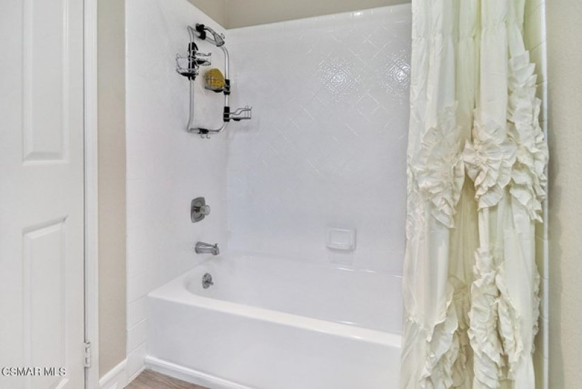 24 eGuest Bath and Laundry4