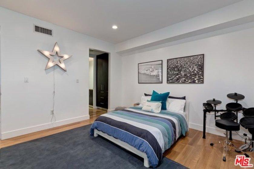 nd bedroom suite