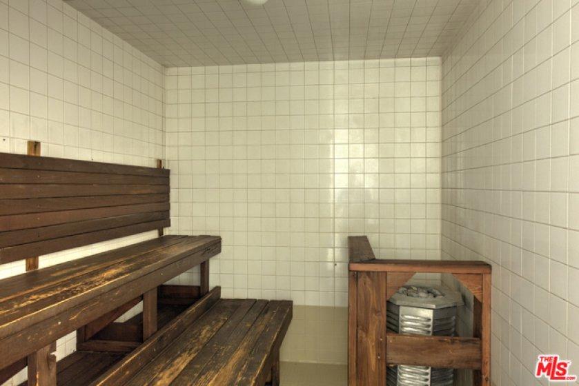 4 Saunas
