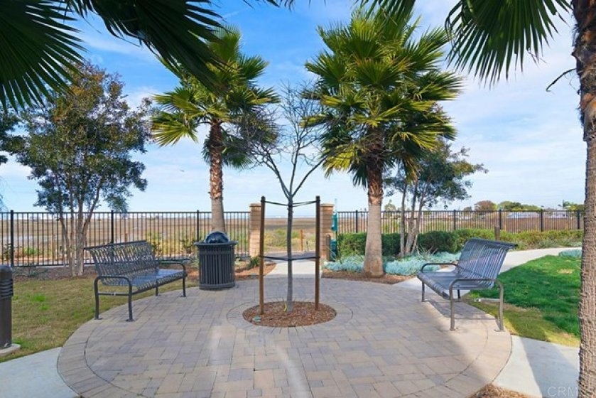 JUST STEPS TO A LOVELY SEATING AREA AND VIEWS OF BAY AND DOWNTOWN