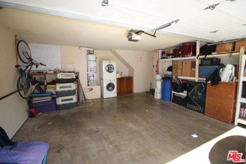 car garage wi laundry