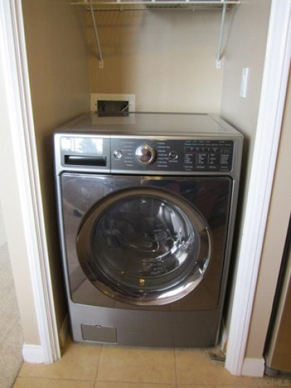 nearly new LG Washer/dryer combo