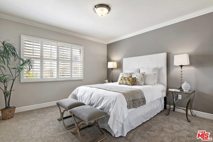 Bright west facing Guest bedroom