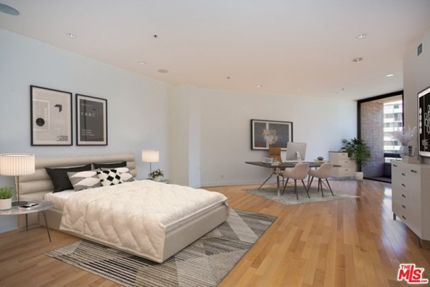 Owner Suite Staged Virtually