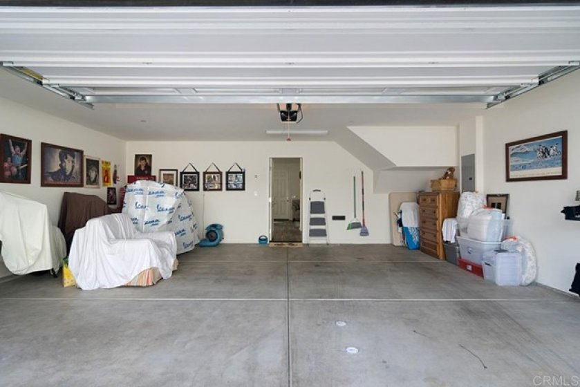 LARGE FINISHED GARAGE WITH ACCESS TO KITCHEN