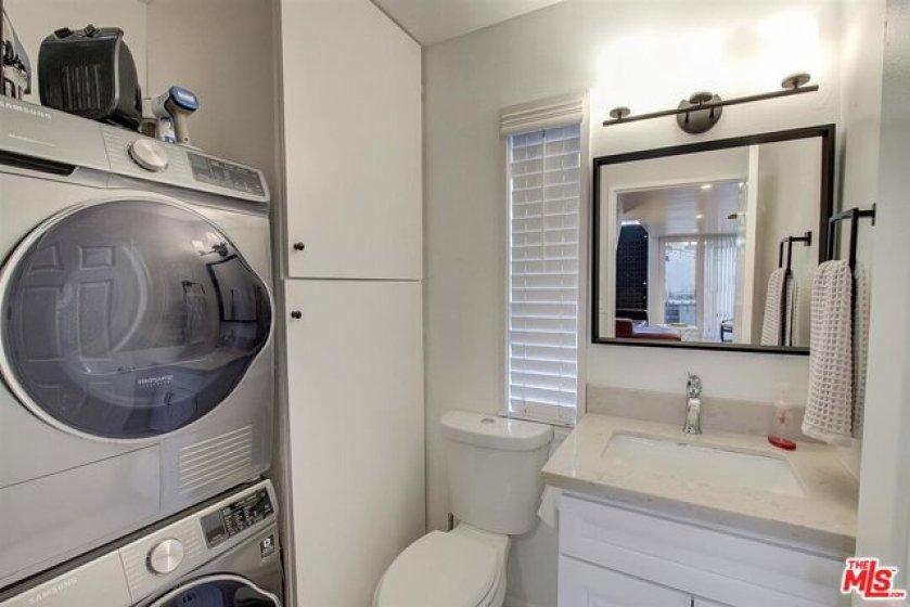 Downstairs / Ba Laundry