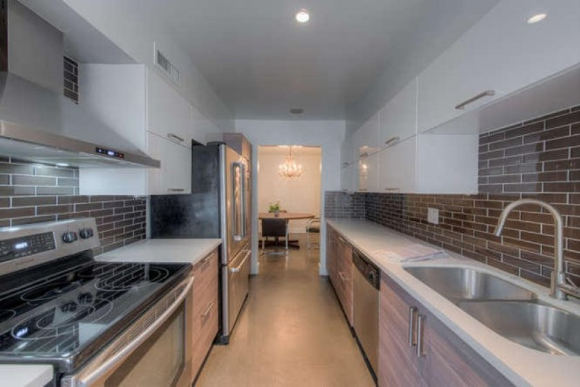 949 N Kings Rd Unit 115 West-small-008-0