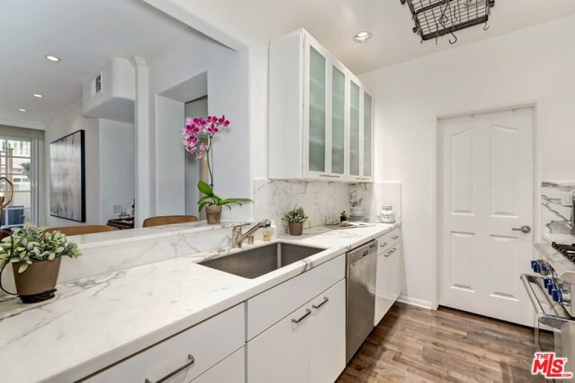 Honed Marble Counters