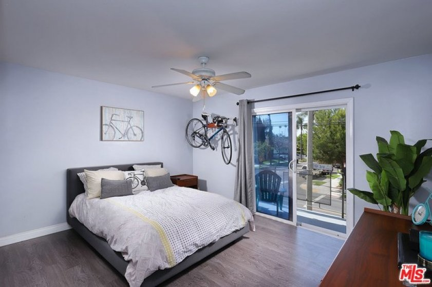 Master Bedroom wi balcony looking to e Souwest!
