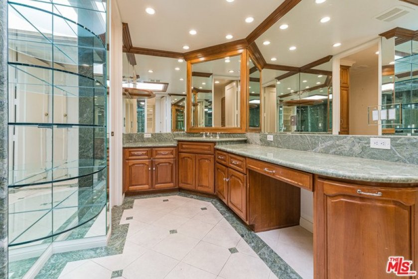 Marble and mirror bathrooms