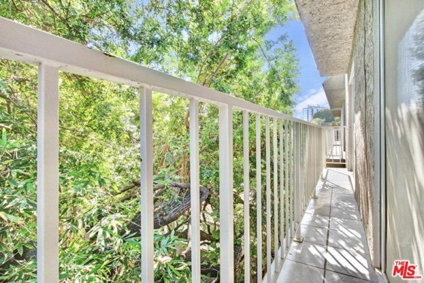 Sou Balcony Off Living Room & Master Suite
