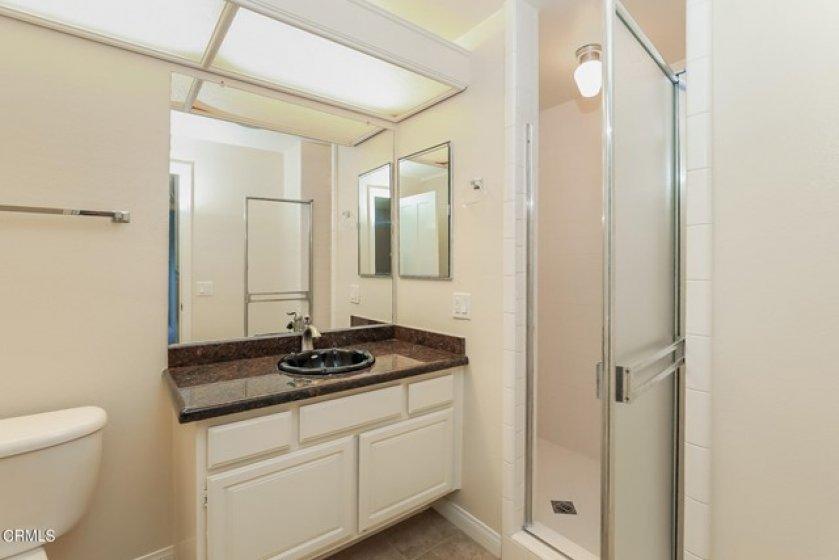 022-photo-bathroom-8851970