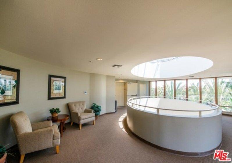 4 floor lobby