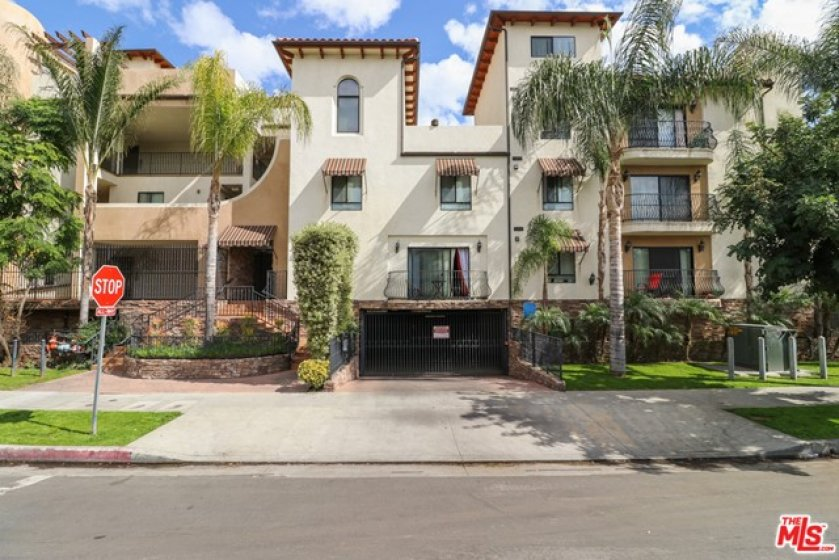 Built in 008, is Mediterranean style condo has lovely curb appeal
