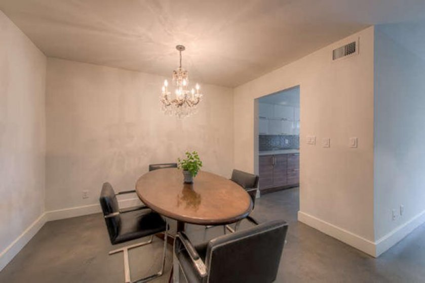 949 N Kings Rd Unit 115 West-small-005-0