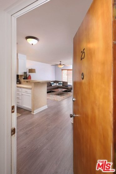 Welcome home! Bright open floorpan front corner unit!