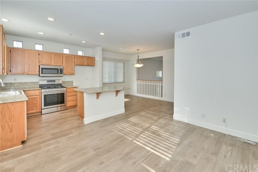 Kitchen, Dining area, Family room view