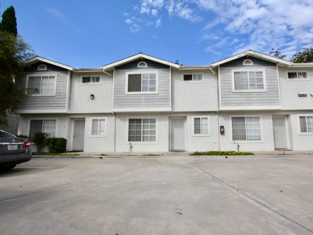 Lamar Townhomes Spring Valley