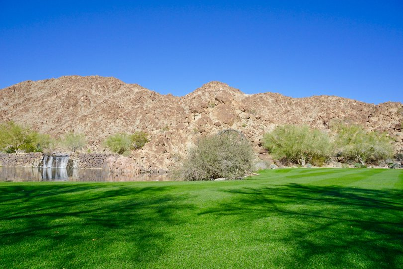 A beautiful lake welcomes residents to The Reserve in Indian Wells, California