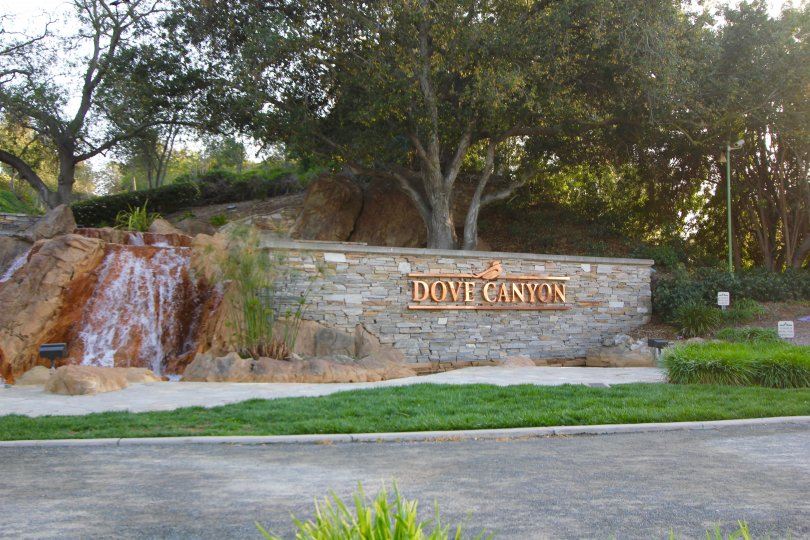 Dove Canyon community marquee