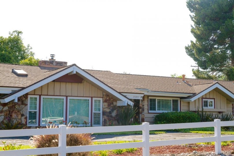 Beautiful home with spacious rooms resides on big lot in Fuerte Farms Community