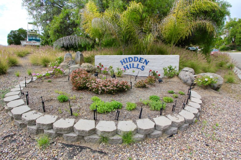 Hidden Hills Community Sign