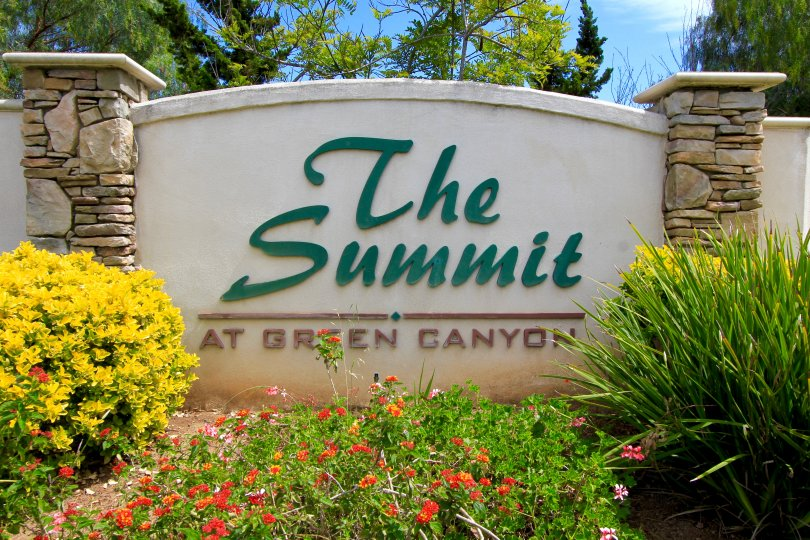 The Summit at Green Canyon Neighborhood Sign