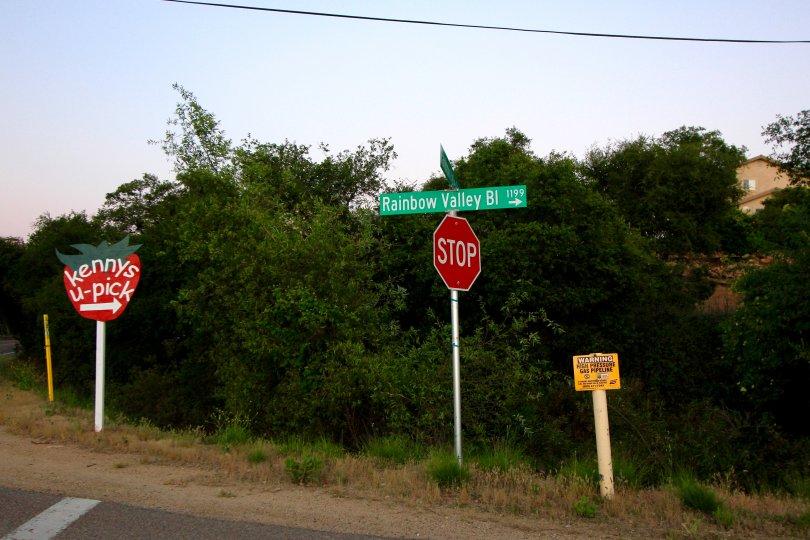 Rainbow Valley Roadside Sign