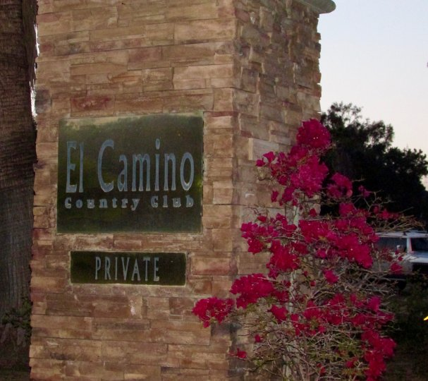 El Camino Country Club sign in Henie Hills California