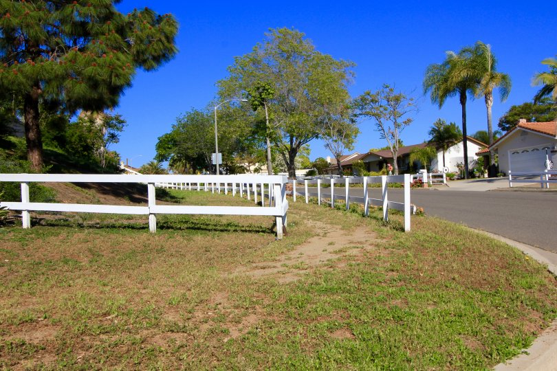 Jeffries Ranch is Equestrian Community with miles of Horse Riding Trails passing through the neighborhood.